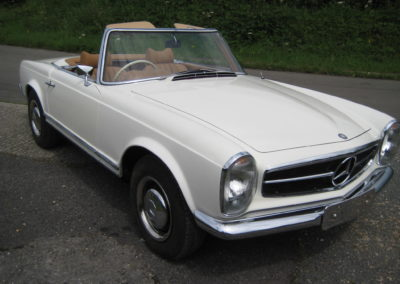1969 Mercedes 280SL Pagoda Auto  This car is now sold