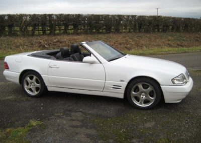 2000 Mercedes SL320 Auto £7950. Top condition car.