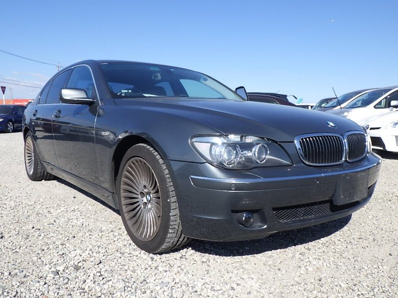 2008 BMW 750 Saloon Top spec car… Customer Specified Order.