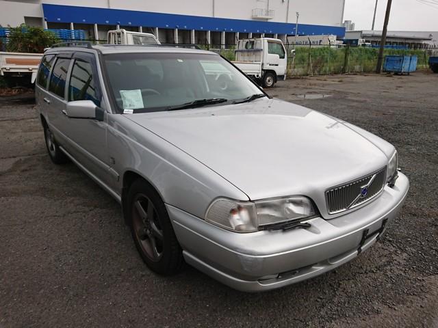 1998 Volvo V70 T5 Estate Automatic. 105000 miles