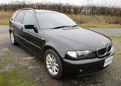 2005 BMW E46 318 Touring Automatic. 53400 miles. Full spec car SOLD