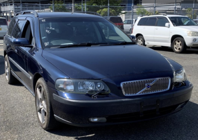 2004 Volvo V70 2.5T AWD Estate Automatic done just 32000 Miles Due in August  Rare low mileage car.