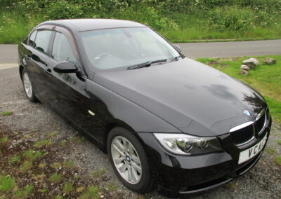 2006 BMW 320i SE Automatic, Sapphire Black Metallic. 19200 Miles In superb condition. £5350.